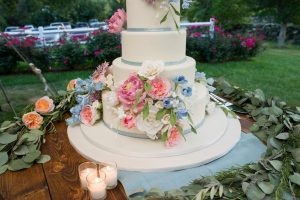vineyard wedding-cake-Jonathan Edwards Winery-True Event-outdoor wedding-cake