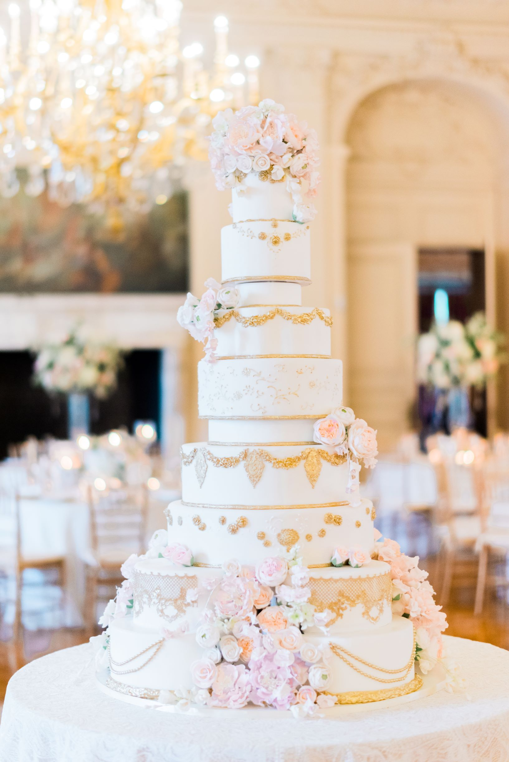 Stunning newport wedding cakes