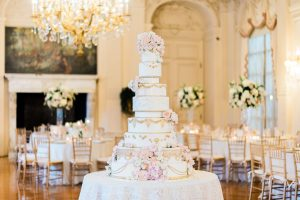 Rosecliff Mansion wedding cake